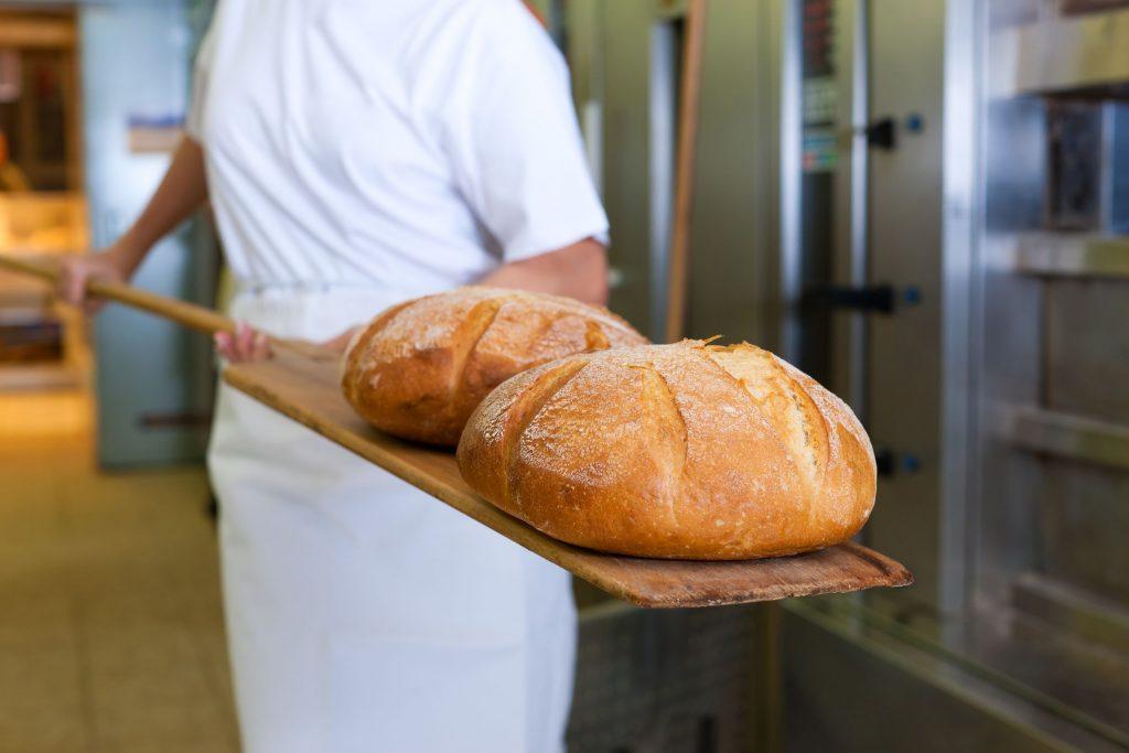 Scumpirea pâinii este imposibil de evitat anunță ROMPAN